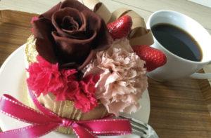 フラワーケーキアレンジメント プリザーブドフラワー バラ カーネーション 美味しそうな フェイクケーキ インテリア おくりもの