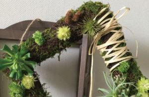 グリーンリース スクエアリース 多肉植物リース アーティフィシャルフラワー 高級造花 インテリア リキュウソウ セダム ナチュラルリース