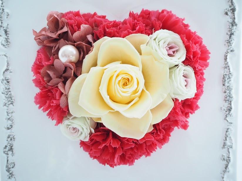 ハート,プリザーブドフラワー,バラ,置物,ギフト,プレゼント,カーネーション,ピンク,黄色,花