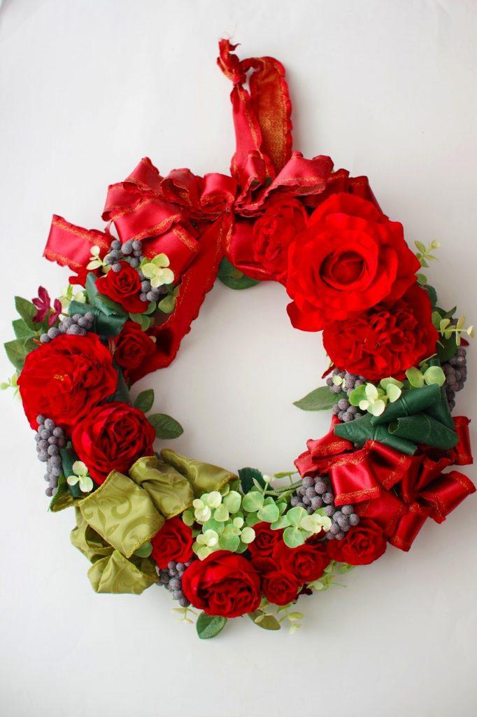 クリスマスリース,赤いリース,リース,アーティフィシャルフラワー,高級造花,バラ,ユーカリ,リボン,デュボンタン
